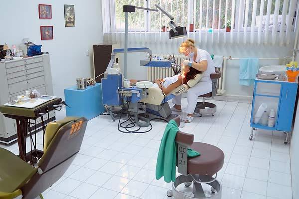 dentist-600x400